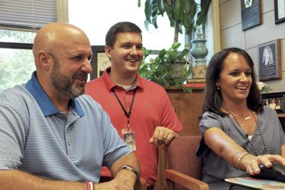 Union teachers imitate students in viral video | Local News