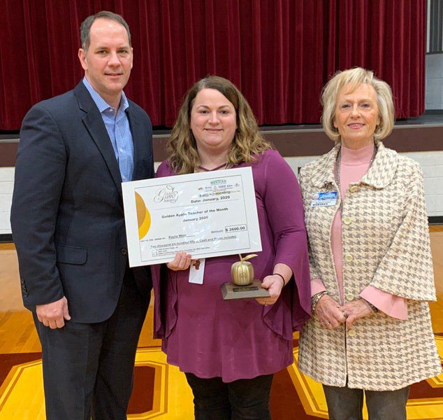 GOLDEN APPLE AWARD: Clarkdale's Kayla Weir answers call, prepares her students