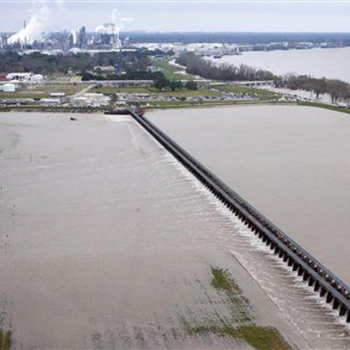 Spillway of swollen Mississippi River open near New Orleans