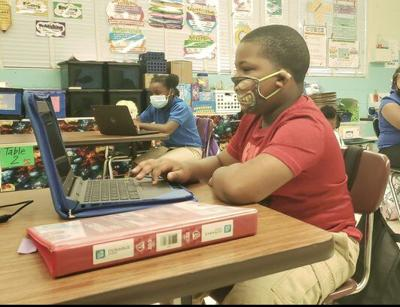 After weeks of virtual classes, Meridian students return to campus