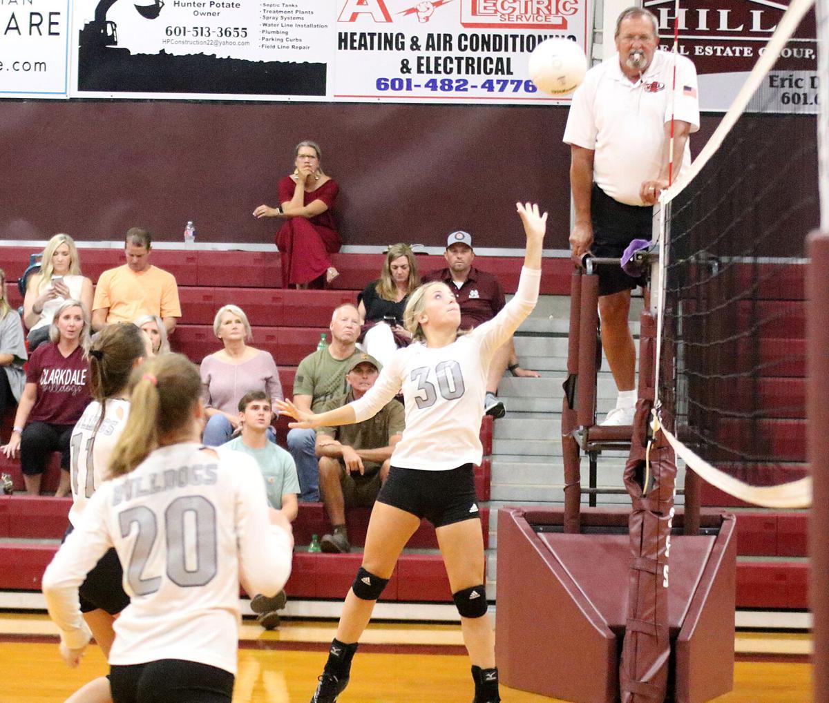 Clarkdale volleyball Lauren Belk