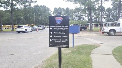 Lauderdale County School District provides wi-fi hotspots on campuses