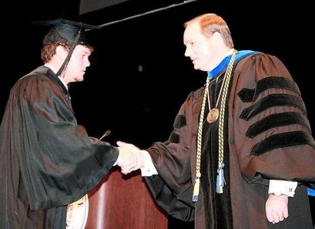 1531a6cb965 Graduations