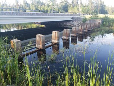 Side Lake residents share concerns about water levels