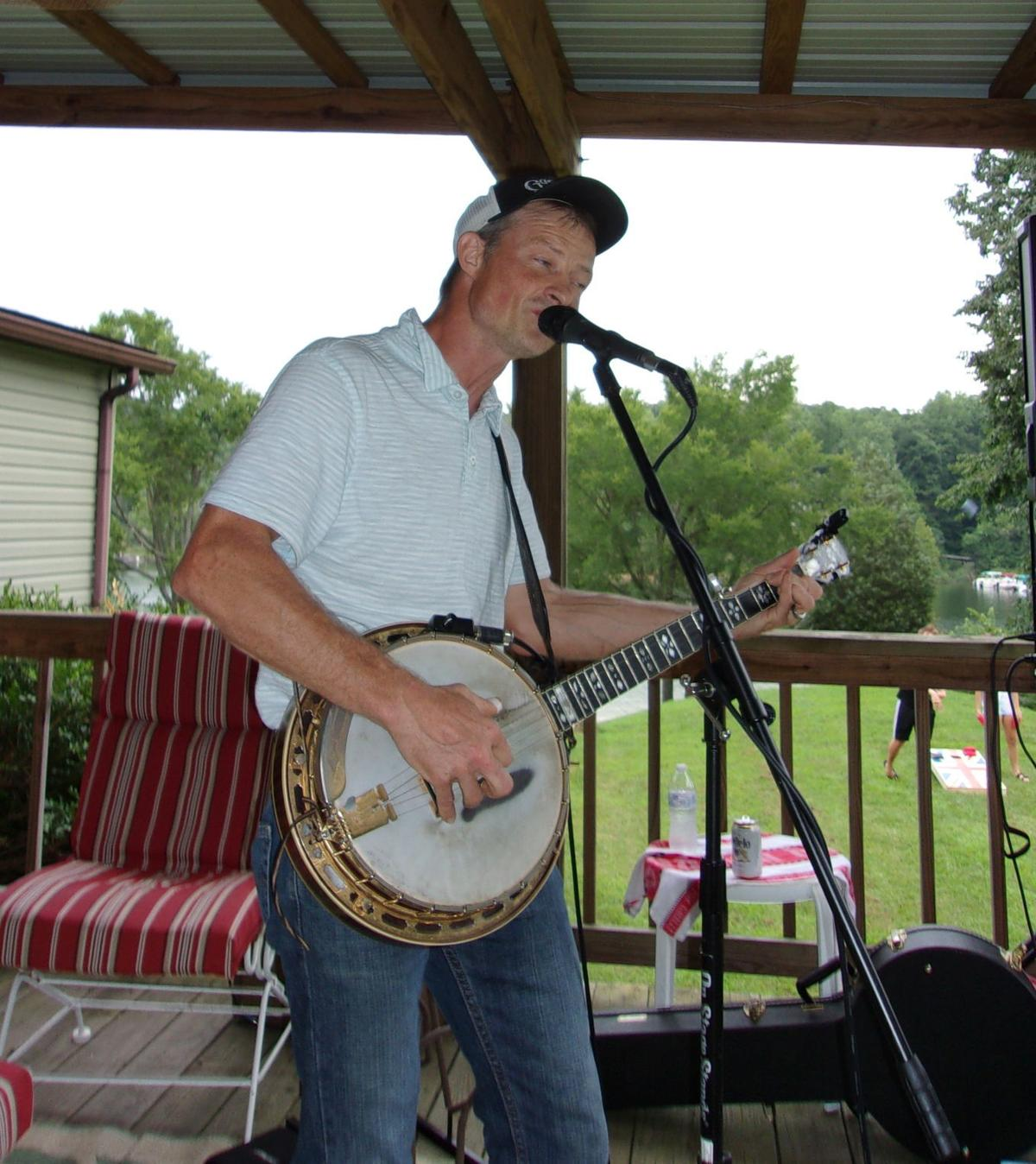 Lindermans host Grayson County Democratic Picnic 2