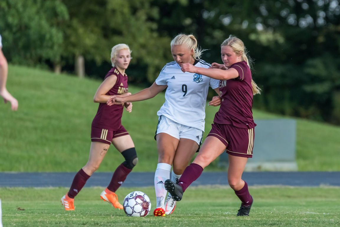 Lady Cougars bounce back with win over Breck