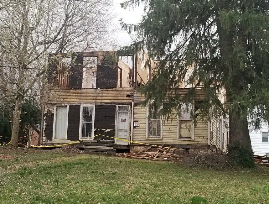Board validates 'Harned house' building permit 1