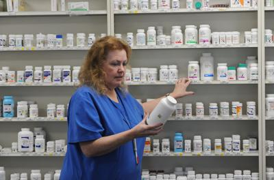 Independent pharmacies join to confront med shortages