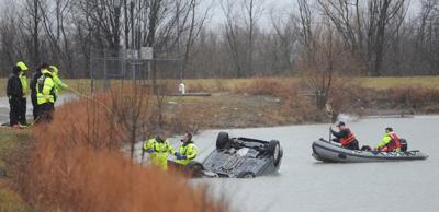 OWENWS-01-26-21 CAR IN WATER