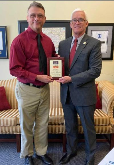 Meredith honored for signing U.S. term limits pledge 1