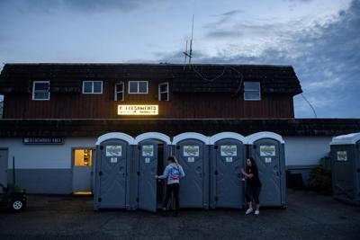 bathrooms-1d1b17b2-993c-11ea-89fd-28fb313d1886.jpg