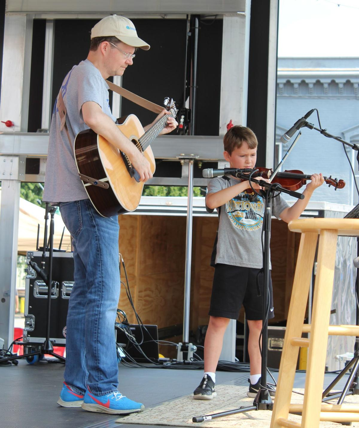 10 states represented at 10th fiddling contest 2