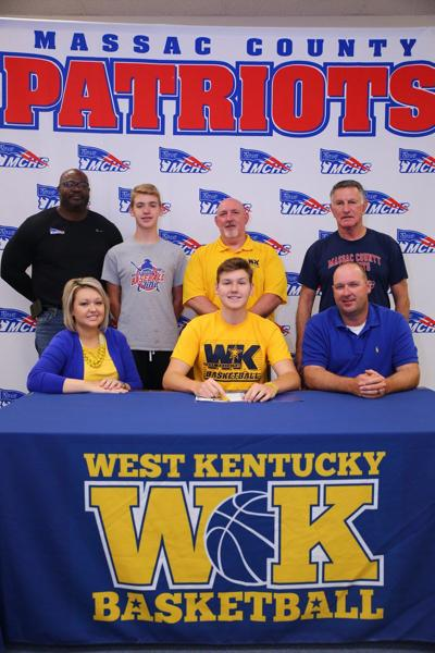 Hayden Lee signs with WKCTC