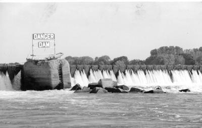 Old Dam 52 at Brookport