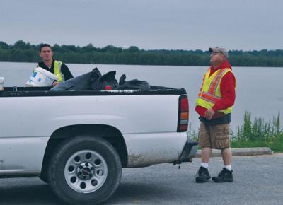 Volunteers help cleanup