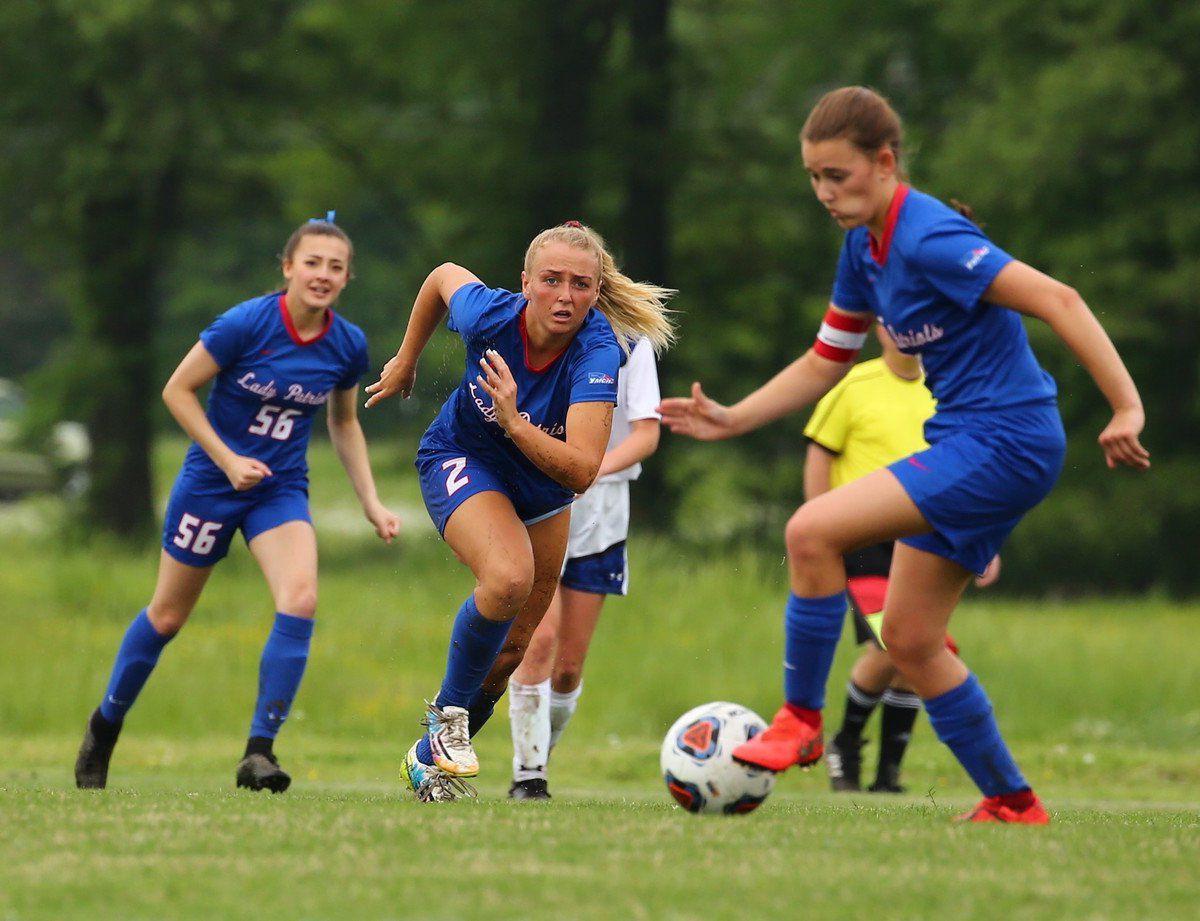 Lady Eagles soar past Lady Pats at regionals