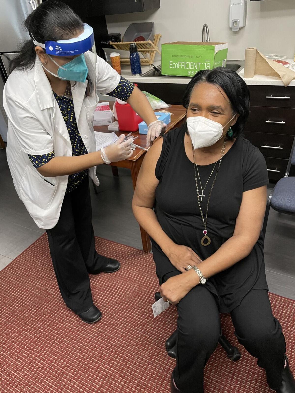 LTCF_Vaccinations_Staff-member-Annette-Dence.jpg