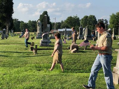 Scouts pay honor to local veterans
