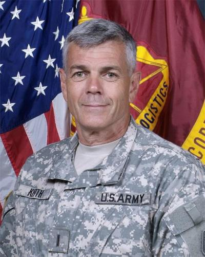 Regimental warrant officer answers questions | Top Stories