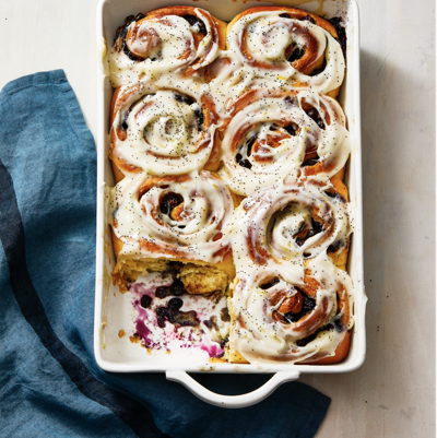 blueberry-sweet-rolls-with-lemon-recipe-1587484641.png