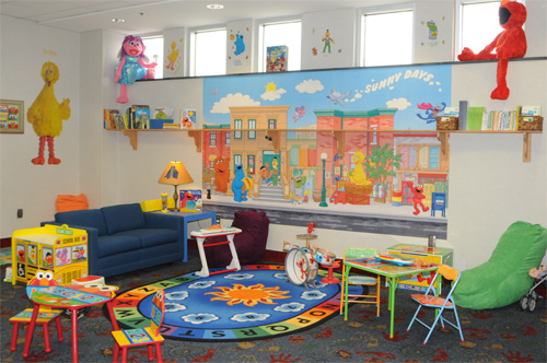 Uso Amc Join Forces To Open Sesame Street Room At