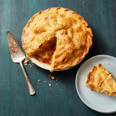 caramel-apple-pie-1596217182.jpg