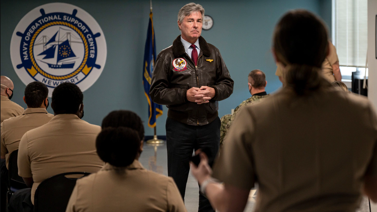Secretary of the Navy visits NOSC Newport, MSRON 8