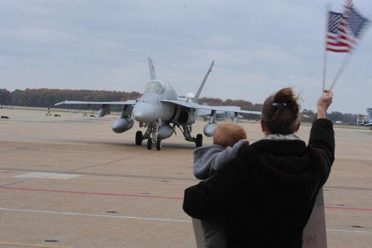 CVW-8 homecoming | Photos | militarynews com