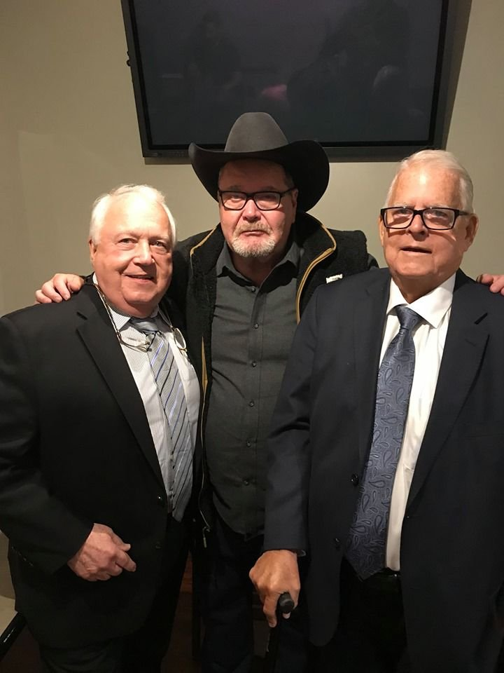 Jim and David Crockett with Jim Ross at Starrcast IV.jpg