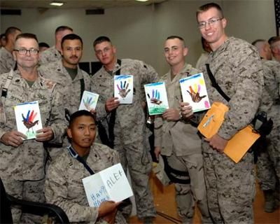 More than 130,000 send text messages of support to troops