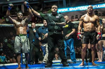 Damon Minor(L) defeated Andres Encinales (R) to become the new SFL Lightweight Champion.