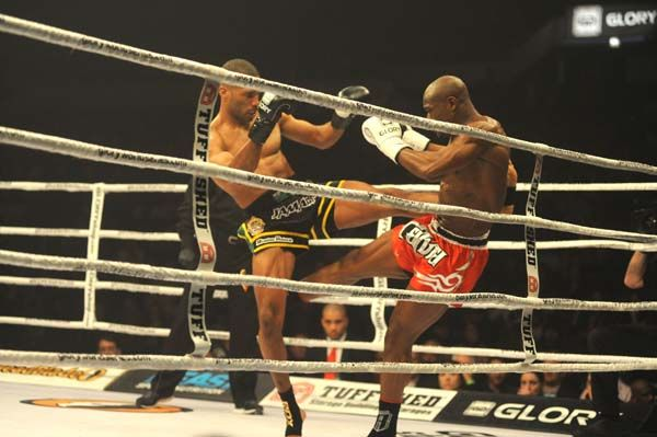 Glory 19 Kick Boxing - Ambang vs Richards - 2.jpg