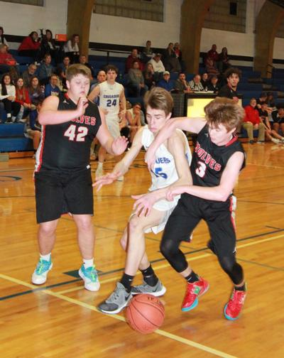 DiPrima, Gerot scramble for the loose ball