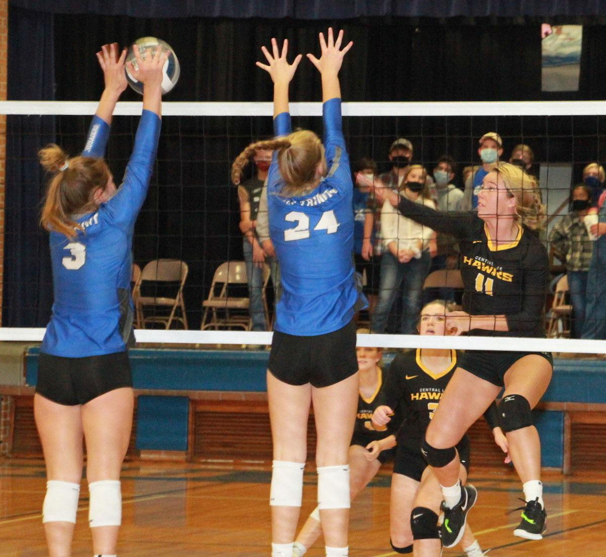 Wellman gets past a pair of blockers