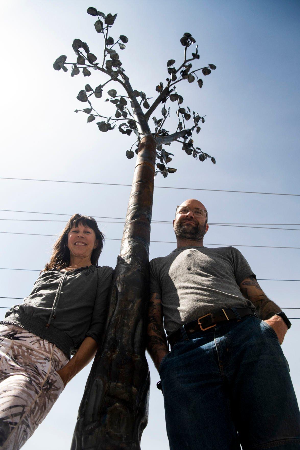 Tree sculpture 01