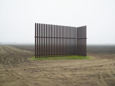 A broken landscape and bridged cultures in 'Border Cantos'