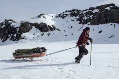91f99e1607 Movie review: Frozen survival tale 'Arctic' harnesses power of silence