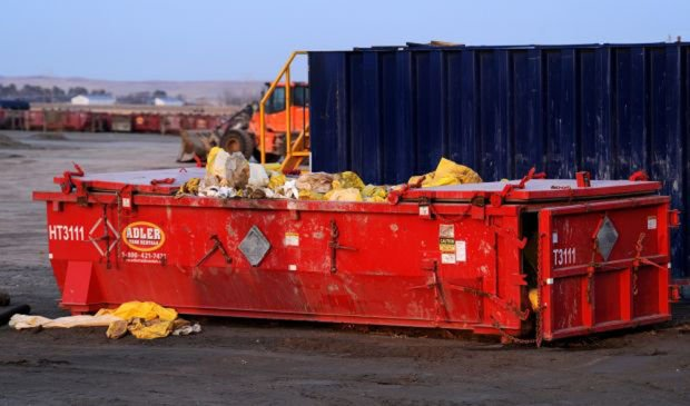 042714 Bakkern radioactive Dual Trucking