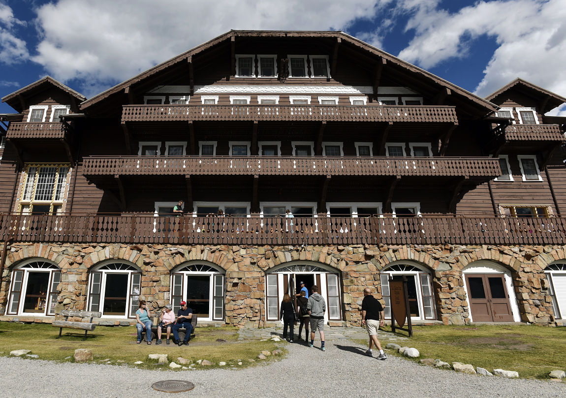 Many Glacier Hotel 3