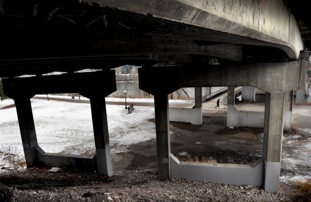 Madison Street Bridge has low rating