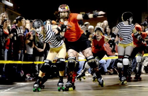 111410 Hellgate Rollergirls skater M. Kneesya
