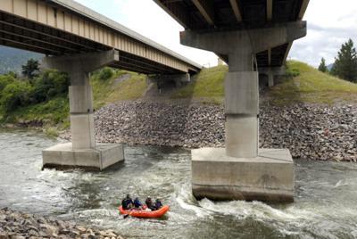 102614-mis-nws-blackfoot-river-piers.jpg