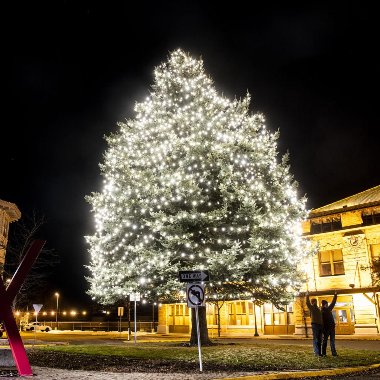 Christmas Missoula 2021 Holidays Amid Covid 19 Missoula Celebrations Look Different Than Years Past Local News Missoulian Com