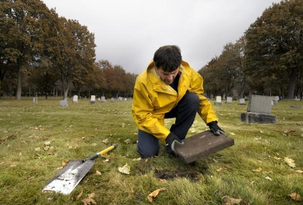 110709 cemetery mystery kw.jpg