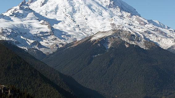 'This would have been an unsurvivable event': When a glacier crumbles on Mount Rainier