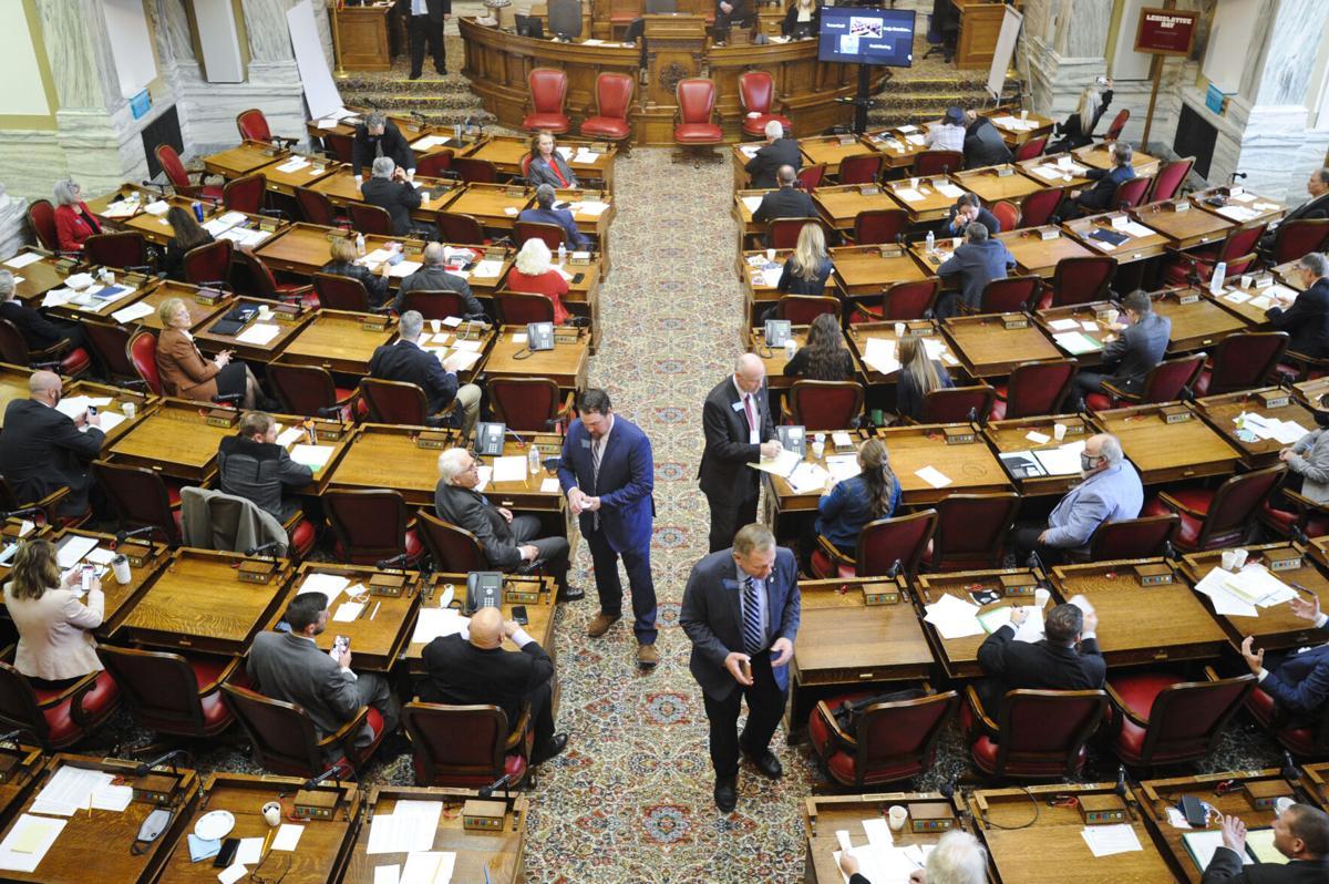 Republican representatives gather votes
