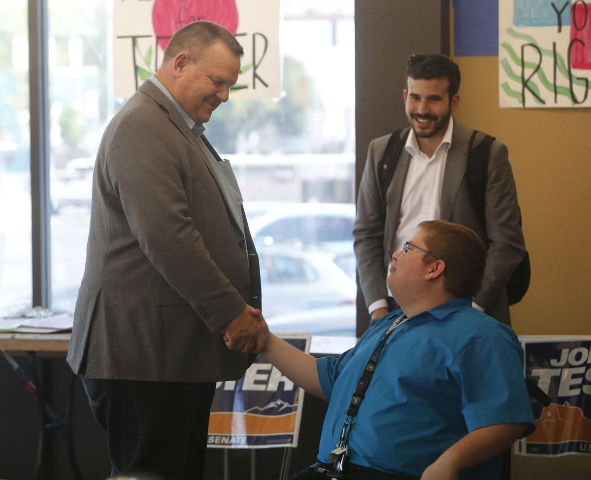 Sen. Jon Tester meets with Billings volunteers