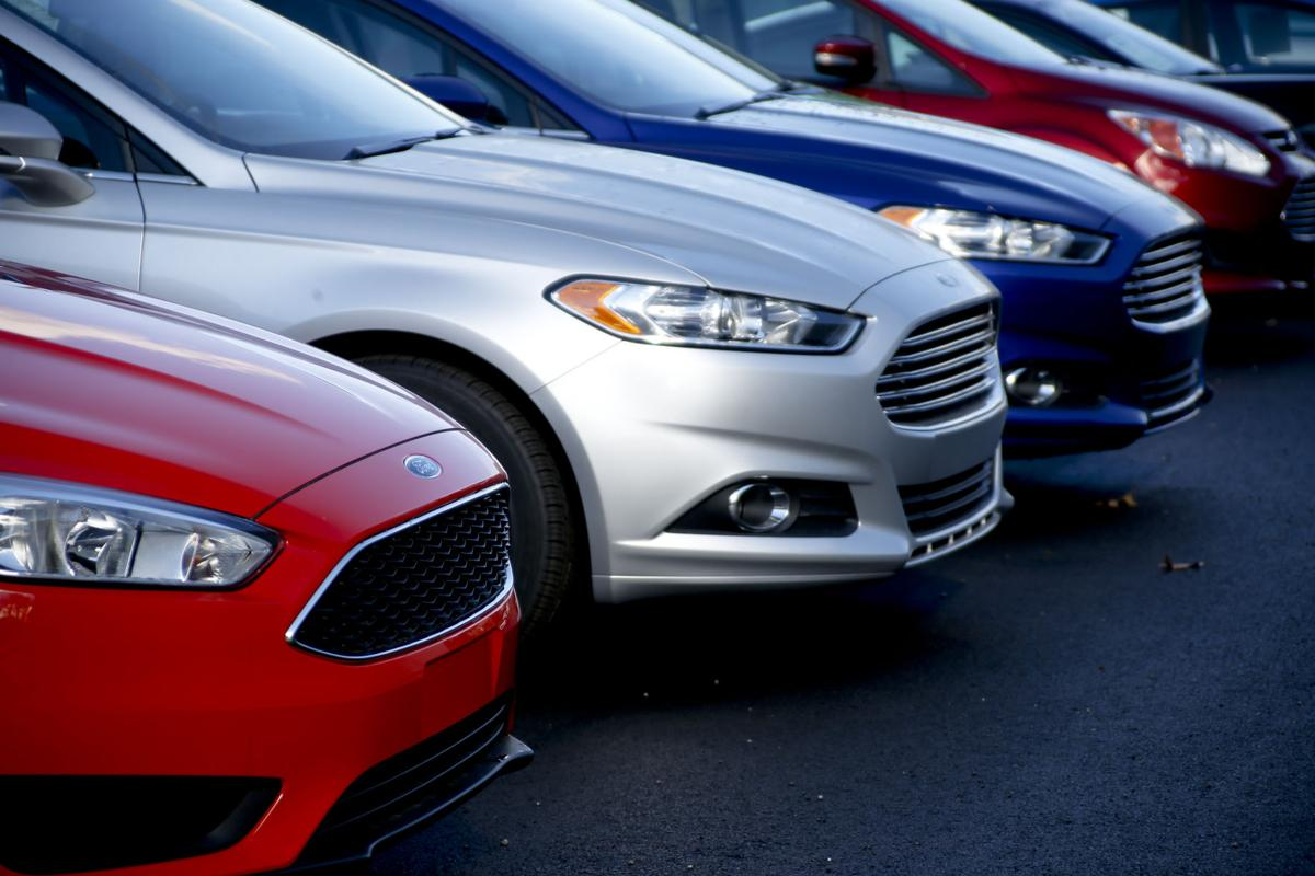 Ford Fusion: 257,865
