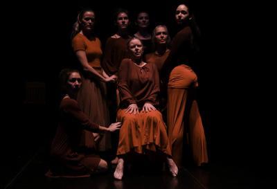 110918 dance03 ps.jpg