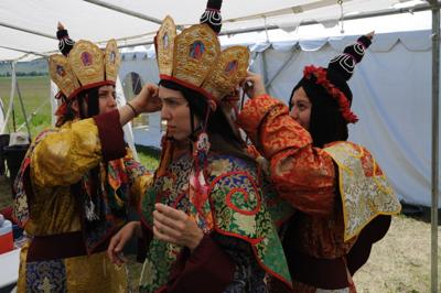 Tibetan Buddhist festival welcomes public to traditional